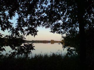 Jezioro Więcborskie o zmroku
