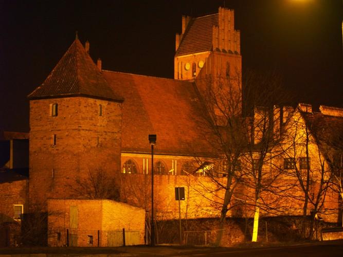 Zbór Ewangelicki nocą