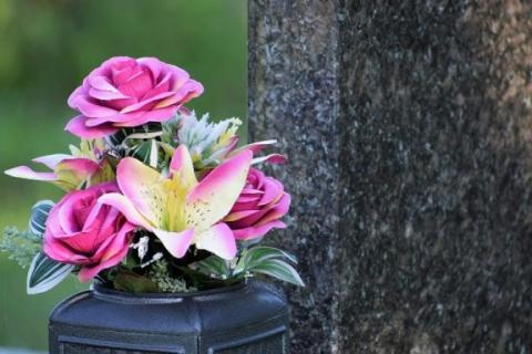 Galeria dla Warsztaty florystyczne: Kompozycje funeralne na Wszystkich Świętych