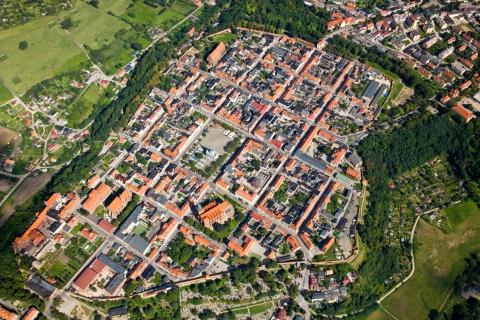 Chełmno, szachownicowy układ urbanistyczny, fot. Aerofoto B.Z. Chojęta